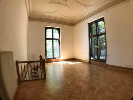 Erstbezug nach Sanierung (2 Zi mit Terrasse in historischer Villa)