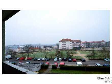 KAPITALANLAGE - Gemütliche 3 Zi-Eigentumswohnung mit Balkon in ruhiger Lage mit schöner Aussicht