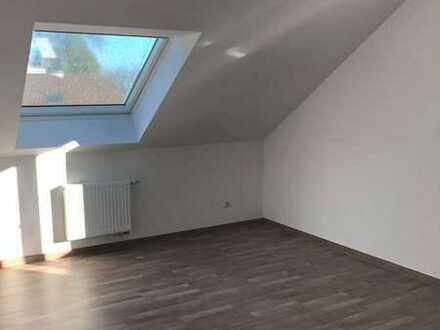 Mit Wohlfühlfaktor - renoviertes Single-Apartment mit Einbauküche und CO2-freier Heizungsanlage!