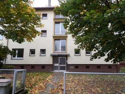 Sanierte 3-Zimmer Wohnung mit Balkon in zentraler Lage