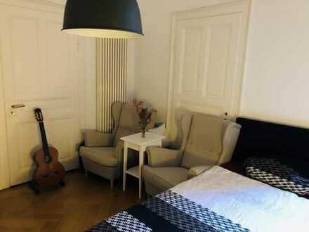 Schönes möbliertes 20qm-Zimmer in 4er WG - beste Innenstadt-Lage (befristet bis September)