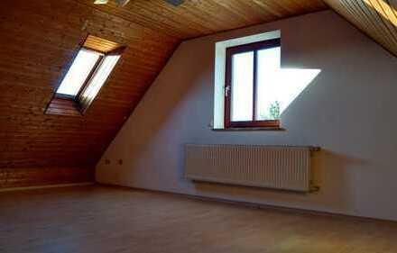Zimmer in 5er WG in Doppelhaushälfte (Studio)