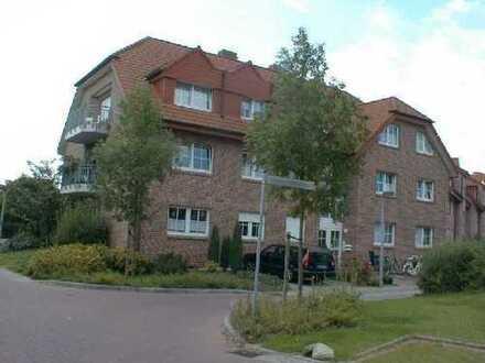 Top-Gepflegte 2-Zimmer-Komfortwohnung im Dachgeschoss mit großem Balkon von Privat zu vermieten.
