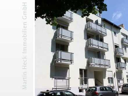 Schöne 1 Zimmer Wohnung mit Balkon und TG-Stellplatz in zentraler Lage !