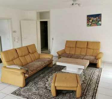 Gepflegte 4-Zimmer-Wohnung (Souterrain) mit Terrasse und Einbauküche im Rebland