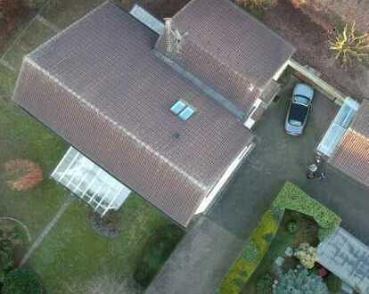 Freistehendes Einfamilienhaus/Unternehmerhaus mit Nebengebäude auf einem Anwesen in Solingen Ohligs