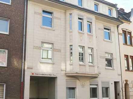 VOM EIGENTÜMER: Renovierte 4-Zimmer-Wohnung im Zentrum von Krefeld
