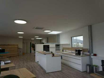 Büro-Loft mit Balkon, neuwertig, ca. 140-370 qm, in Lörrach zu vermieten, optional mit Lagerfläche