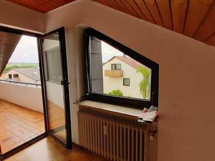 Helle 4-Zimmer DG-Wohnung in Neuhausen/F