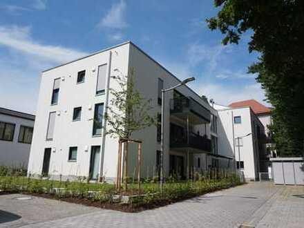 Neu am Markt: Exklusive 4 ZKB-Wohnung mit 66 m² großer Dachterrasse u. Einbauküche in zentraler Lage