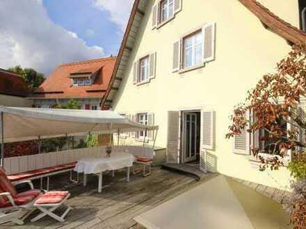 Liebhaberobjekt direkt am Neckar mit schöner Terrasse - Viel Wohn-und Nutzfläche für Hobby,Gewerbe..