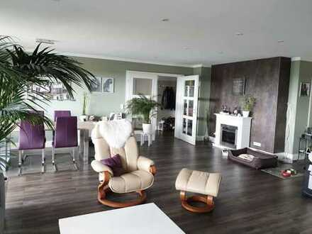 Attraktive 6-Zi-Whg mit großzügigem Wohnbereich und 2 Balkone