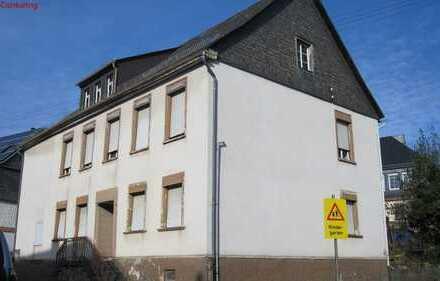 ehemalige Dorfschule in zentraler Lage, ideal für Bauträger