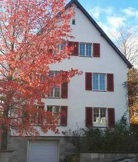 Gemütliche DG-Wohnung in Zweifamilienhaus im Aachener-Süden