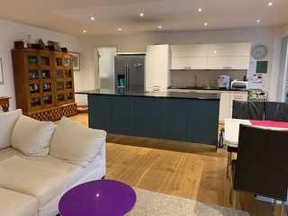 Neuwertige 4-Zimmer-Wohnung mit Balkon und Einbauküche in Lahr