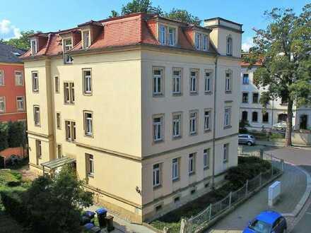 ...mit EBK & Wanne // 3-Zi.-Wohnung in Cotta