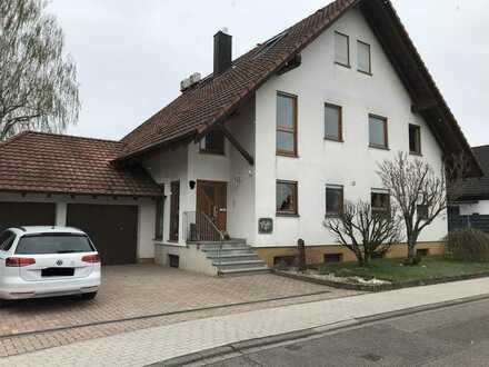 Neuwertige 4-Zimmer-Maisonette-Wohnung mit Balkon und EBK in Bühl - Weitenung