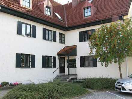 Schöne 2,5-Zimmer-EG-Wohnung mit Balkon