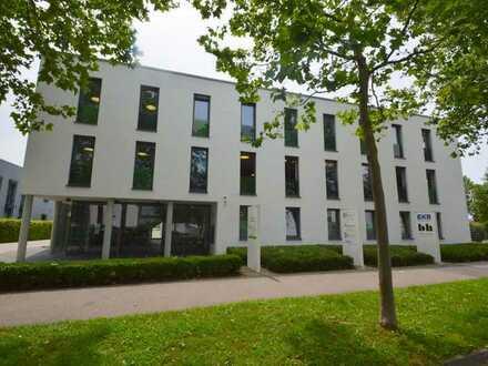 Penthouse-Büro in modernem Bürogebäude im Schwabenhof zu vermieten.