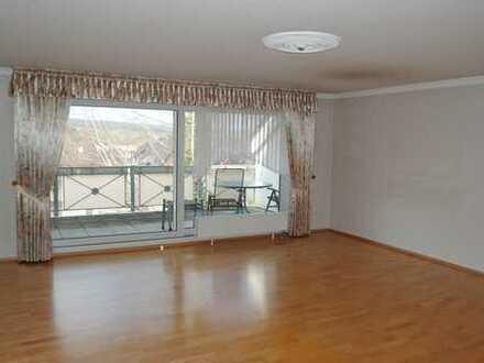 Geräumige 3 Zimmer Wohnung in begehrter Lage mit TG Stellplatz