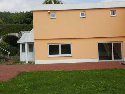 Sonnige 3-Zimmer-Wohnung in Ahorn für 1-2 Erwachsene