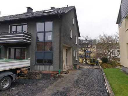 Erstbezug nach Sanierung: ansprechende 8-Zimmer-Doppelhaushälfte in Wickede, Dortmund