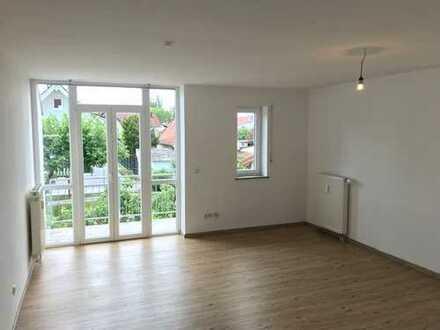 Toller Schnitt & viel Licht - drei Zimmer Wohnung mit Balkon