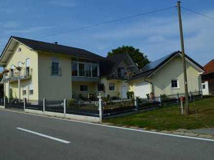 Großes, schickes 2 Familienhaus Nähe Vilshofen mit tollem Fernblick