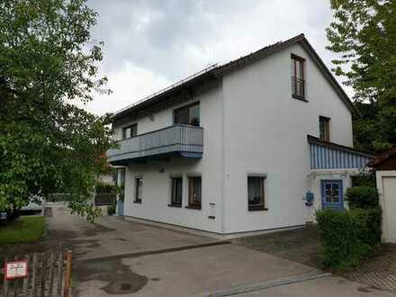 Zweifamilienhaus mit Garagentrakt zur Eigennutzung/Kapitalanlage in Greifenberg