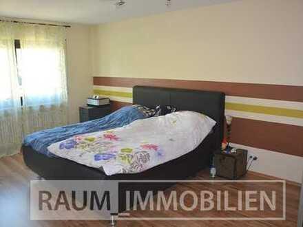 Freiwerdende große 4 Zimmer-Wohnung mit Einbauküche & Kfz-Stellplatz in Schwarzenbruck