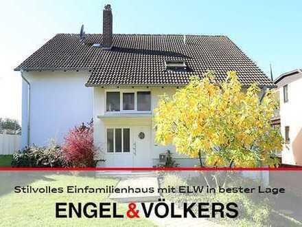 Stilvolles Einfamilienhaus mit ELW in bester Lage