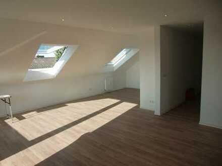 Schöne 3-Zimmer Dachgeschosswohnung mit 2 Balkonen in Alzenau/Hörstein