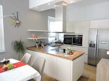 Stilvolle, neuwertige 4-Zimmer-EG-Wohnung mit EBK in Leinfelden-Echterdingen