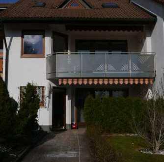 Renoviertes Reihenmittelhaus  mit extra viel Wohnraum und großem Garten