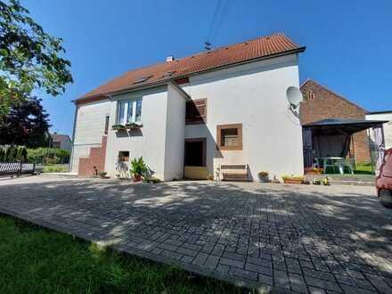 Schönes 2 Familienhaus in ländlicher Lage in Bottenbach