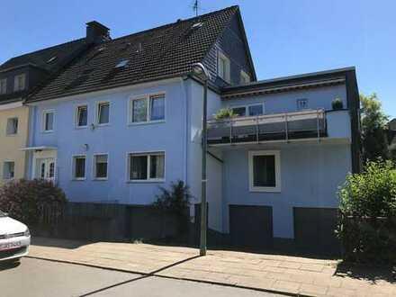 Neuwertige 4,5-Z-Wohnung, 2 Balkone, Garten, Garage in Essen Stadtwald/Rellinghausen