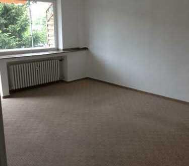 * Provisionsfrei * Günstige, renovierte 2,5-Zimmer-Wohnung mit Balkon in Bottrop