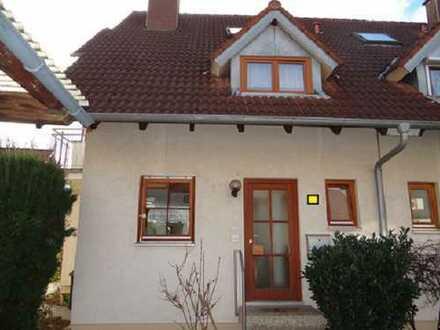 In dieser schönen Doppelhaushälfte in Denzlingen wird sich Ihre Familie geborgen fühlen!