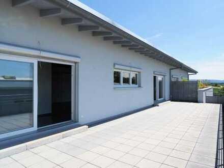 Neuwertiges Büro mit großer Dachterrasse