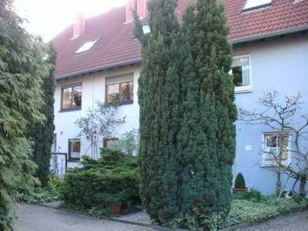 Großes Einfamilien- RH mit Terrasse, Garten und Garage