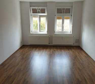 Schöne, geräumige zwei Zimmer Wohnung in Stendal Zentrum,01733064160
