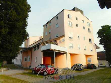 Individuelle 4-Zimmer-Wohnung mit großem Balkon und Stellplatz als Kapitalanlage