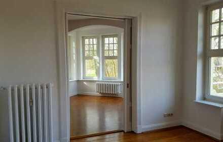 Wunderschöne Jugendstil-Wohnung mit direktem Blick in den Schlosspark & neue Küche