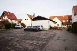 Grundstück 1437 m², bebaut mit 2 Häusern- teilweiser Neubau möglich