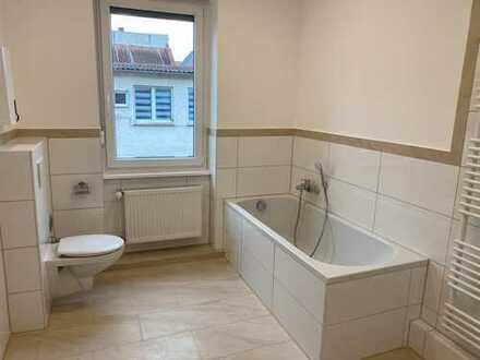 Sanierte 2-Zimmer-Wohnung mit Terrasse (1. OG) in Mainz-Kostheim
