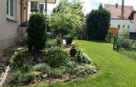 Die Alternative zum Haus! Gepflegte Terrassenwohnung mit Garten