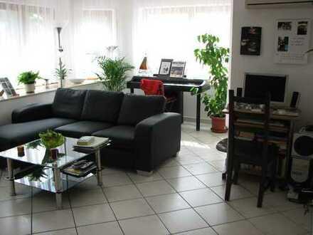 Ruhige, helle und moderne 3-Zimmer Wohnung mit Terrassse + Gartenanteil in Gerlingen, von privat