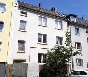 Top renovierte 4,5 Zimmer Balkonwohnung in der Nähe von Essen Rüttenscheid und Essen Stadtmitte!