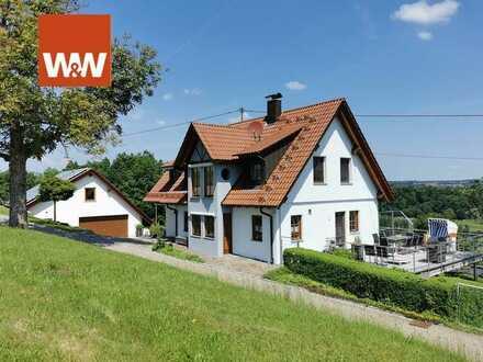 Sehr gepflegtes Wohnhaus in einmaliger und idyllischer Alleinlage mit grandioser Aussicht