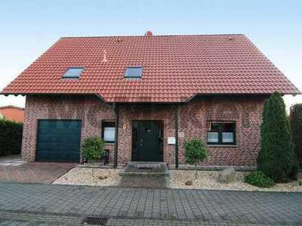 Gemütlich und gepflegt: 6-Zi.-Einfamilienhaus mit Wintergarten, Sonnenterrasse & Photovoltaikanlage